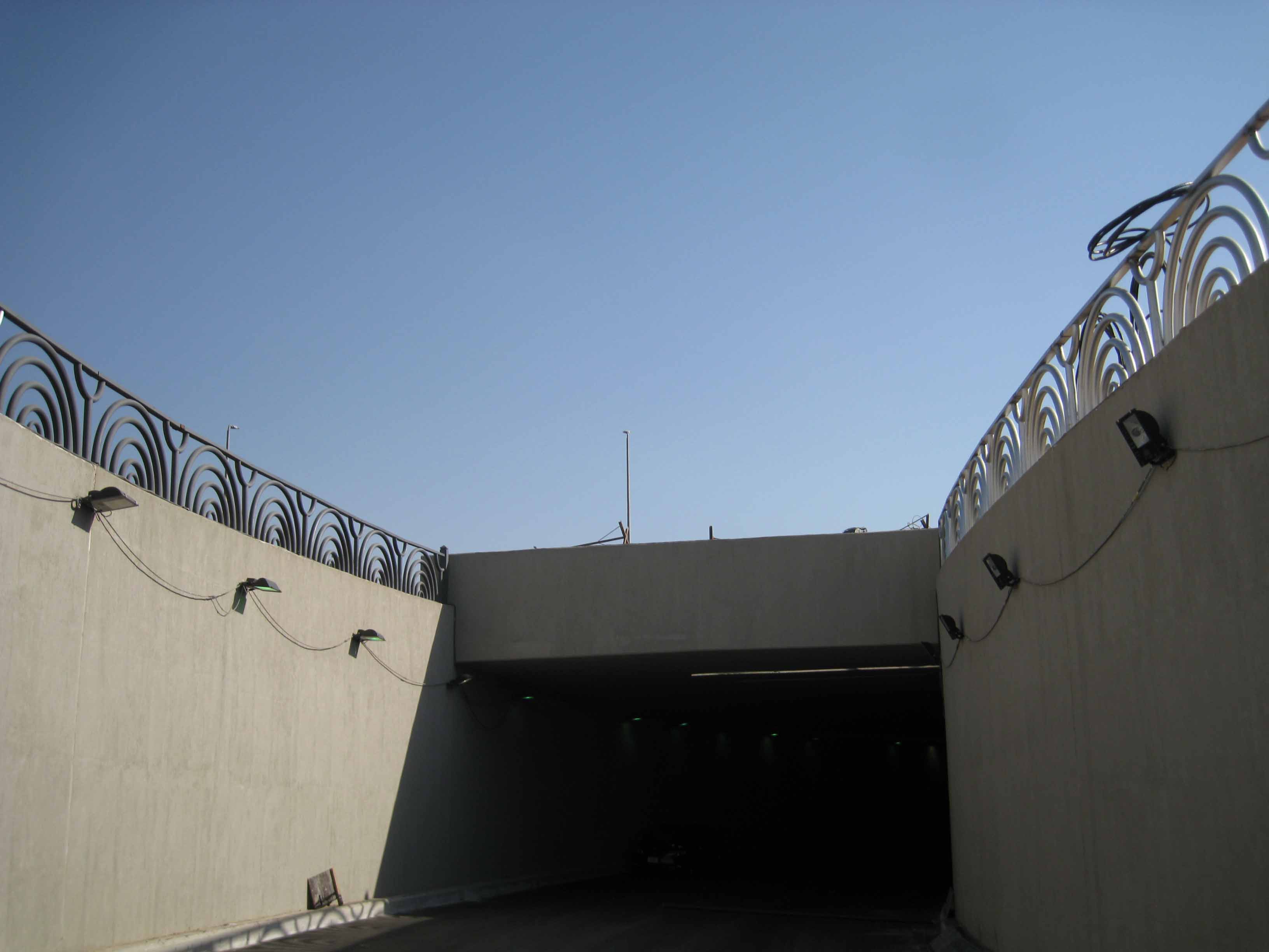 Handrail of Downtown tunnel project (29)